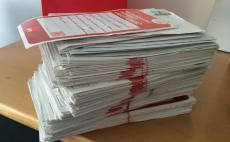 Ein dicker Stapel Postkarten zu #digitalLEBEN.
