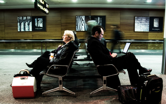 Wartende auf dem Flughafen