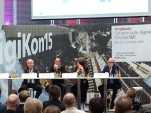 "Podiumsdiskussion Politik in ""Neuland"""