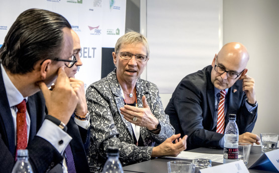 Anke Spoorendonk und Ministerpräsident Torsten Albig